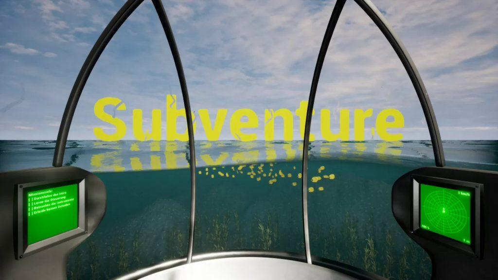 Ein Screenshot aus dem Spiel Subventure. Das U-Boot ist zur Hälfte aus dem Wasser gestiegen. Der Titel des Spiels schwebt über der Wasseroberfläche
