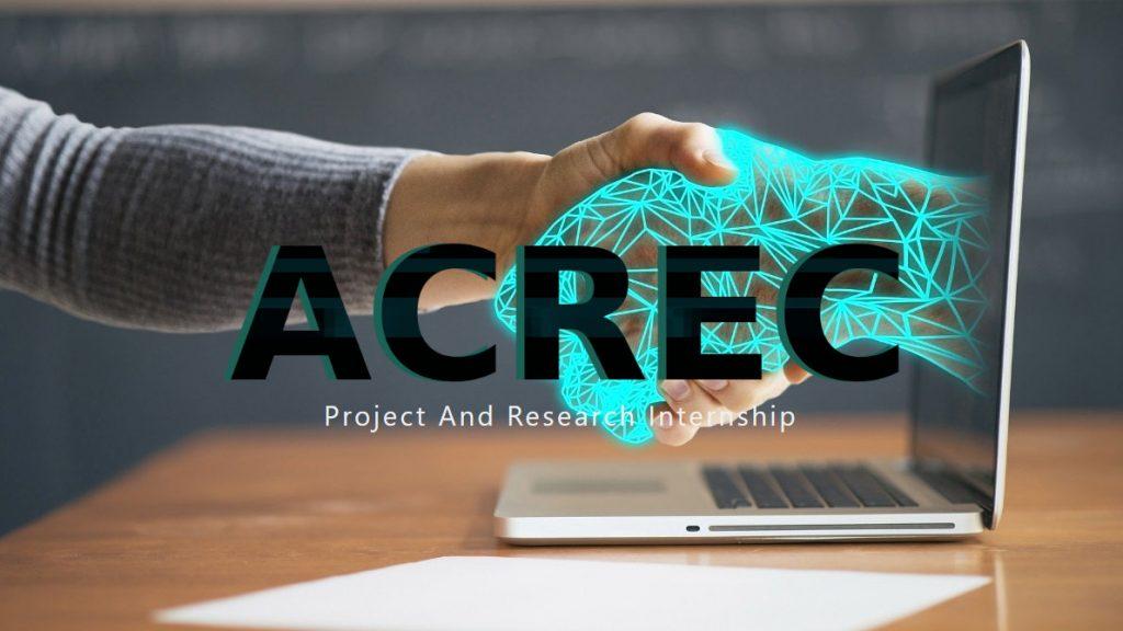 Das ACREC Logo. Im Hintergrund greift eine Hand eine virtuelle Hand, die aus einem Laptop kommt